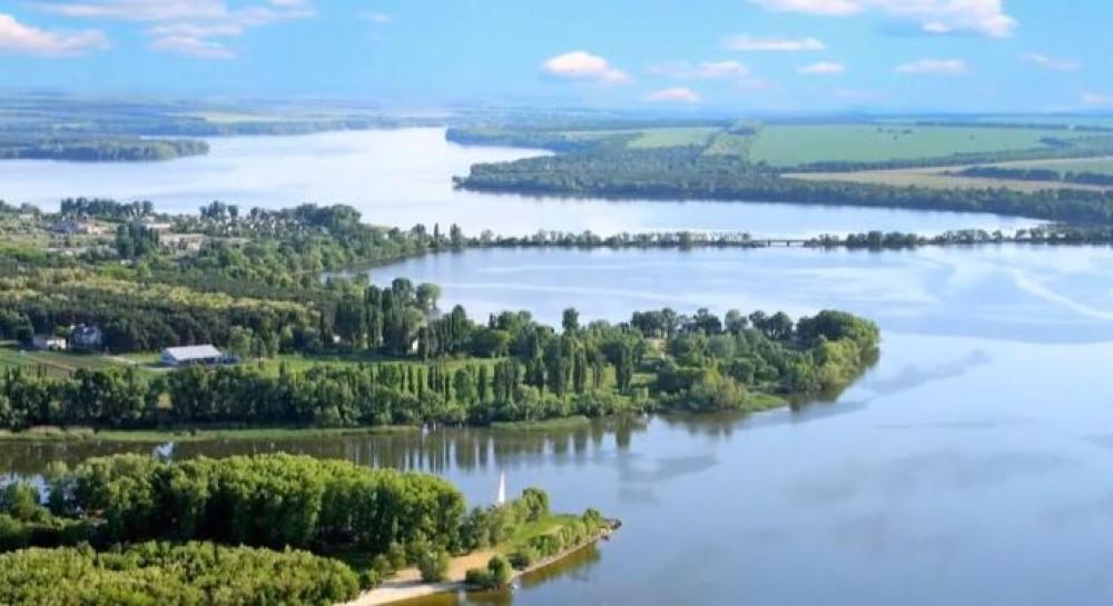 Странное заявление Минэкологии: в реках Украины обнаружили остатки препаратов от COVID-19