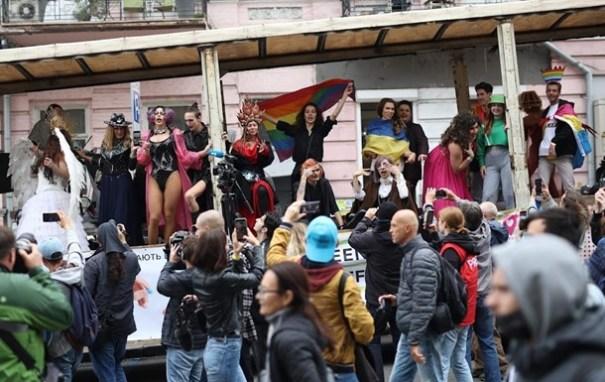 В Киеве прошел марш в поддержку лесби и геев